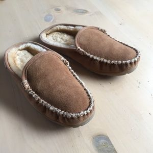 45d24da0668 Men's Slip In Slippers on Poshmark